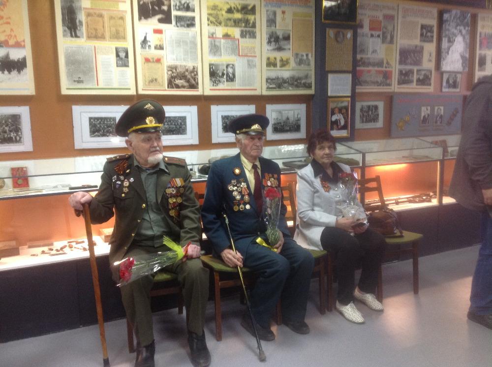 Торжественная линейка «Клятва патриотов»